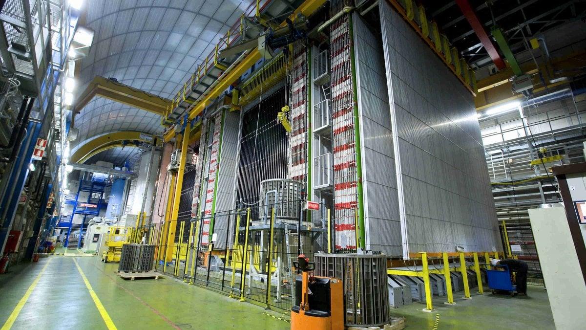 COME se non fossero abbastanza pieni di mistero, i neutrini