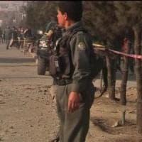 Taliban sempre all'offensiva, autobomba fa 16 morti a Kandahar