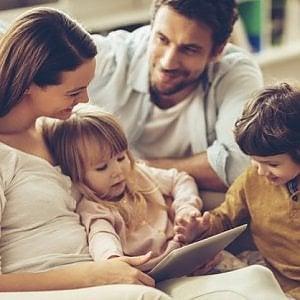 Fino a che anno si devono mantenere i figli? Una sentenza innovativa a Milano