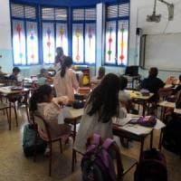 Francia, due bambini violenti con insegnanti e compagni: e il sindaco chiude la scuola