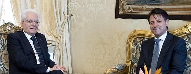 Conte, spuntano cartelle di tasse non pagate Il giurista al Colle per l'incarico video live tv