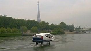 In 'volo' sulla Senna: arrivano i taxi che sfiorano l'acqua