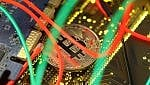 Bitcoin, sotto gli 8mila dollari