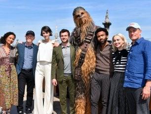 """È il giorno di Han Solo. Ehrenreich: """"Io diverso dall'originale""""   Howard: """"Come non accettare?"""""""
