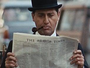 'Fumo di Londra', Sordi con bombetta e ombrello nella Swinging London