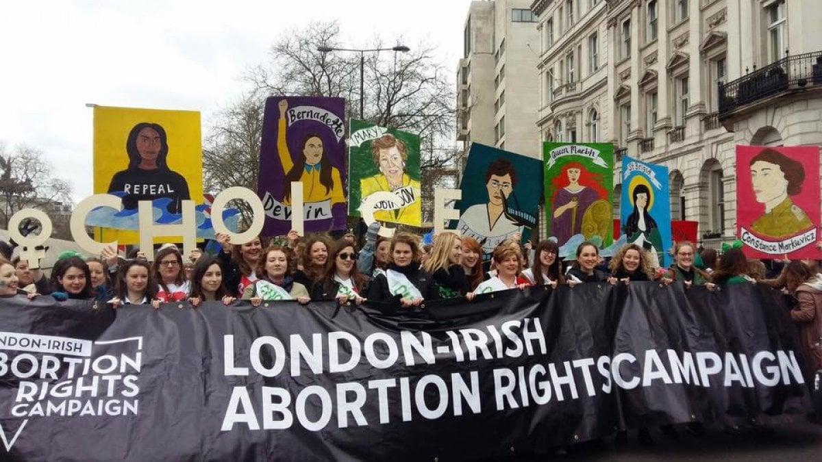 """""""IMMAGINAdi vivere in un Paese dove l'aborto è contro la"""