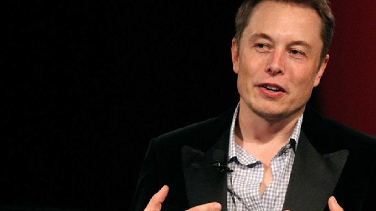 ELON Musk ce l'ha con i giornalisti. Non è certo