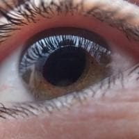 Occhi: arriva il primo farmaco biologico contro l'uveite
