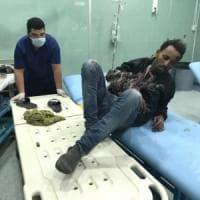 Migranti, fuga di massa da un carcere libico. I trafficanti sparano sulla folla, 20 feriti
