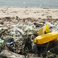India, i pescatori del Kerala che raccolgono la plastica nel mare