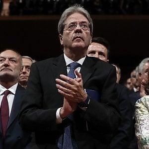"""Governo, Gentiloni lascia Palazzo Chigi: """"Non dilapidiamo il lavoro fatto in questi anni"""""""