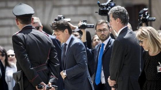 """Governo, Conte al Colle senza lista dei ministri. Scontro su Savona. Salvini: """"Sono davvero arrabbiato"""""""