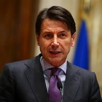 Governo, Conte fa il pontiere ma Mattarella resta gelido su Savona