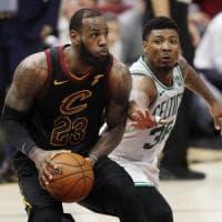 Basket, finale Est: James stellare, Cleveland porta Boston alla 'bella'