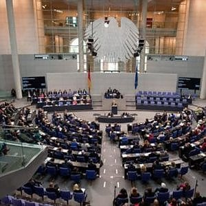"""Stampa tedesca: """"Preallerta per i rapporti con l'Italia nella commissione del Bundestag sui servizi"""""""