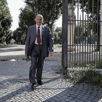 """Governo, Conte da Mattarella alle 19: colloquio formale. La mossa di Savona: """"Voglio..."""