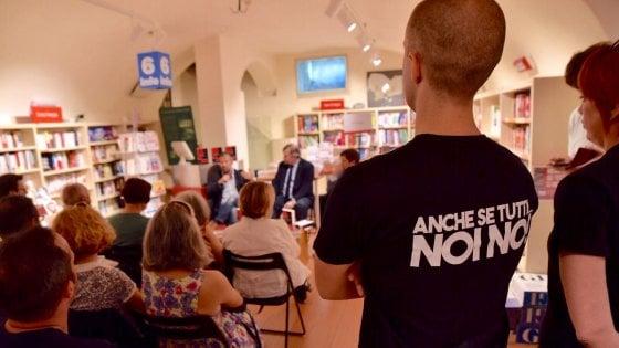 """Padova, intimidazione neofascista alla presentazione del libro """"Nazitalia"""" di Berizzi"""