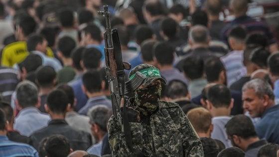 Razzi su Israele da Gaza, rappresaglia con raid aerei