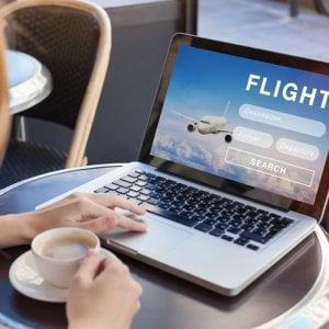 Claim ingannevoli e costi nascosti: Antitrust multa un comparatore di tariffe voli