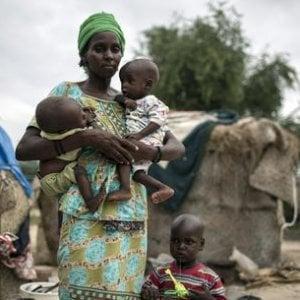 Bambini, l'altra faccia dell'esclusione: 1,2 miliardi di loro minacciati da povertà e conflitti