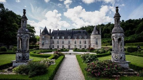 """Francia, lotteria per i restauri: conventi, forti e case coloniali tra i 18 monumenti che si salveranno col """"Gratta e Vinci"""" dell'arte"""