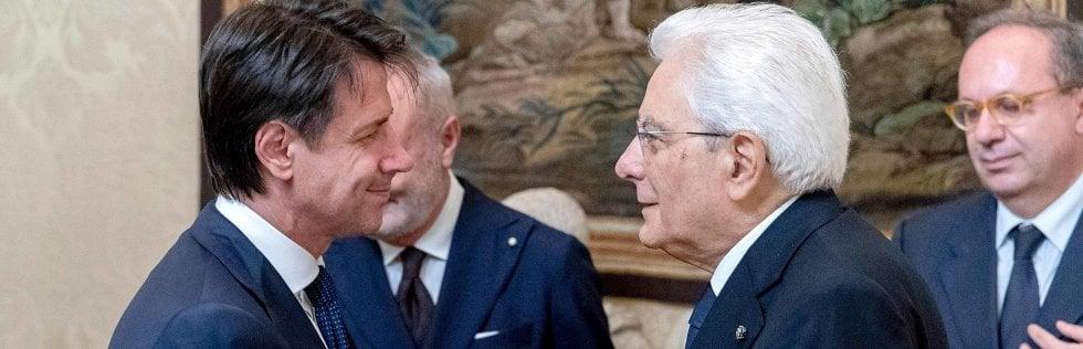 Conte accetta l'incarico da Mattarella e presenta la lista ministri.Oggi alle 16 il giuramento, Salvini e Di Maio vicepresidenti