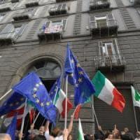 Pd in piazza con la Costituzione in mano. Da Milano a Roma, prima prova per l'opposizione al governo gialloverde