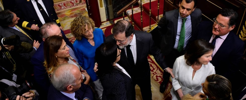 Spagna, Rajoy sfiduciato. Sanchez nuovo premier