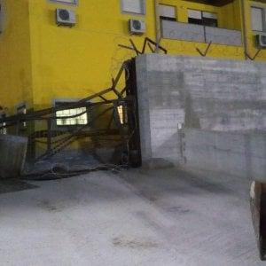 Sassari, assalto al caveau Mondialpol con trattore e duecento colpi di kalashnikov