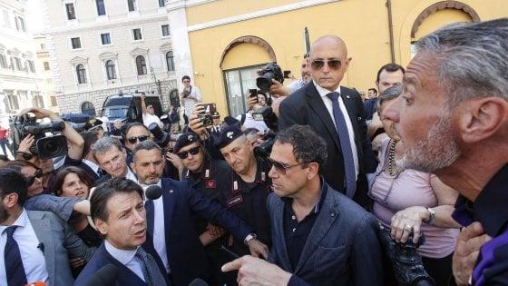"""Governo, il giorno del giuramento. Salvini: """"Tagliare i 5 miliardi per l'accoglienza dei migranti. Troverò convergenze nella Chiesa"""""""