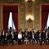 Quirinale, i ministri hanno giurato: al via il governo Conte. Salvini in cravatta e calzini verdi