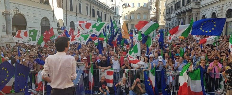 """Pd in piazza, Martina a Salvini: """"Stai con dazi di Trump o con gli operai di Terni?"""". Da Milano a Roma, il Pd in piazza contro il governo Conte"""