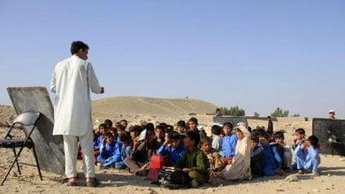 Afghanistan, la metà dei bambini  (3,7 milioni) è fuori dalla scuola