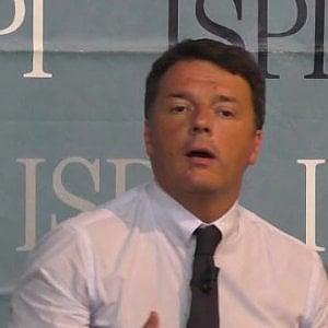 """Renzi conferenziere, è polemica. Calderoli: """"Si dimetta"""". La replica: """"Farà il suo dovere istituzionale"""""""