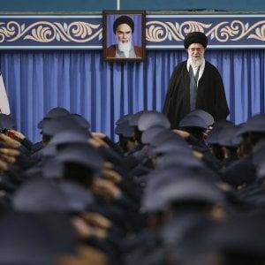 """Iran, l'ayatollah Khamenei: """"Pronti a riprendere il programma di arricchimento dell'uranio"""""""