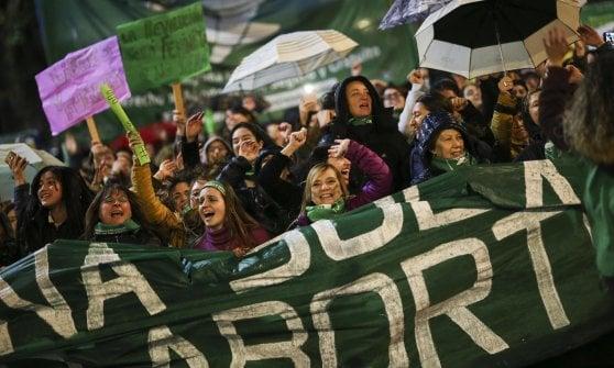 Argentina al voto per la depenalizzazione dell'aborto