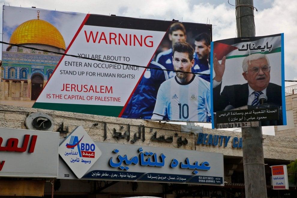 Vernice rossa e minacce, annullata la partita Israele-Argentina