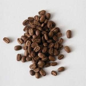 L'avanzata delle macchinette: al distributore si bevono 150 miliardi di caffè nel mondo