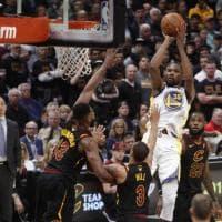 Basket, Finals Nba: il film di gara 3, Golden State ad un passo dall'anello