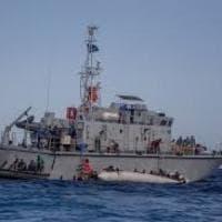 Migranti, Malta rifiuta soccorso a nave ong: l'Italia interviene e 'dirotta'