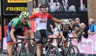 Ciclismo, Giro d'Italia under 23: Lonardi beffa Thijssen. Philipsen nuova maglia rosa