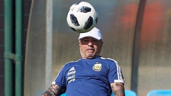 Argentina, accuse di molestie sessuali: bufera sul ct Sampaoli