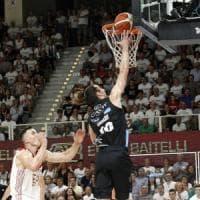 Basket, Serie A: Trento-Milano 72-65, l'Aquila riapre la finale scudetto