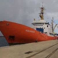 Chi deve accogliere i migranti? I porti possono essere chiusi? Le regole in 7 domande e risposte