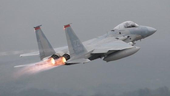 F-15 americano precipita nel mare di Okinawa