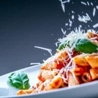 Dieta: non è tanto quanto mangi ma a che ora ti siedi a tavola