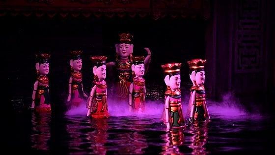 Vietnam. Scoprire ad Hanoi il teatro dei pupi sull'acqua. Una tradizione che sopravvive grazie al turismo