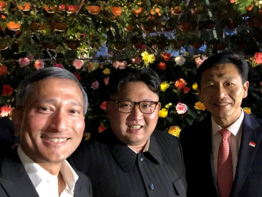 A Singapore tra selfie e sorrisi: la lunga notte a sorpresa di Kim