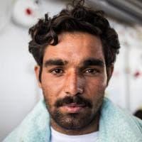 Zeestian, Kevin, Shibar e gli altri: i volti dei migranti a bordo dell'Aquarius
