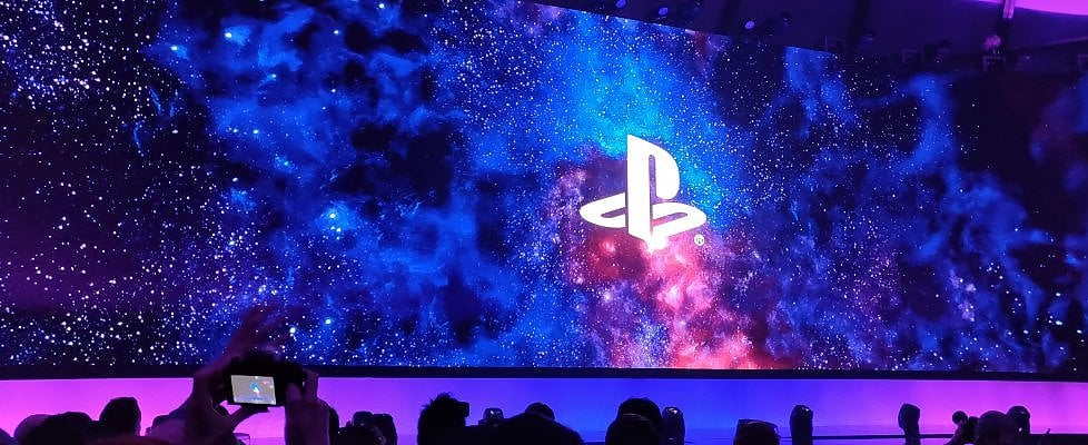 E3 2018. Le visioni di Sony PlayStation nella Los Angeles del gay pride